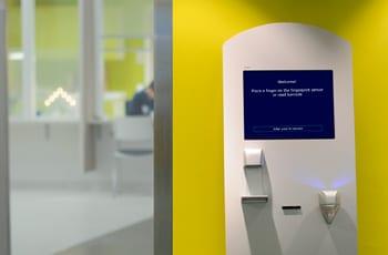 Deltabit Check-In itseilmoittautuminen, kutsunumero- ja vuoronumerojärjestelmä terveydenhuoltoon